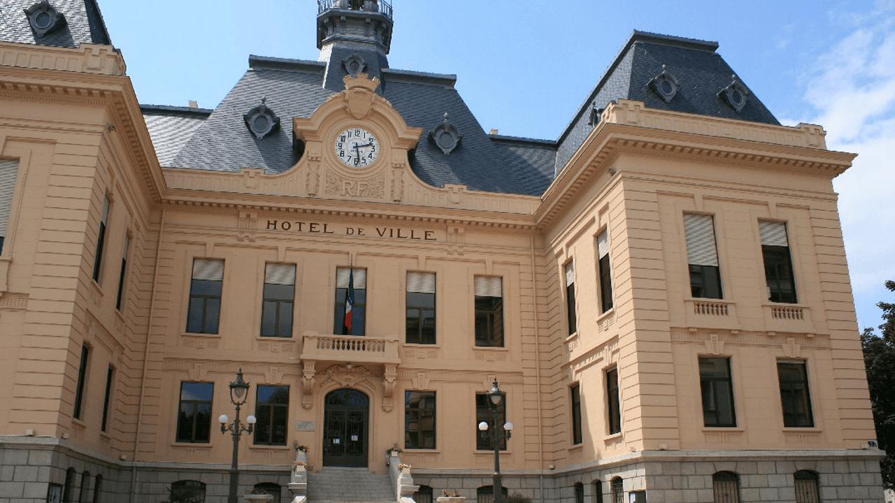 Succession de Bernard Perrut à la mairie de Villefranche – La course est lancée
